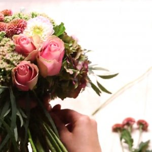 Flower Factor launches English version of Floral Design - level 2