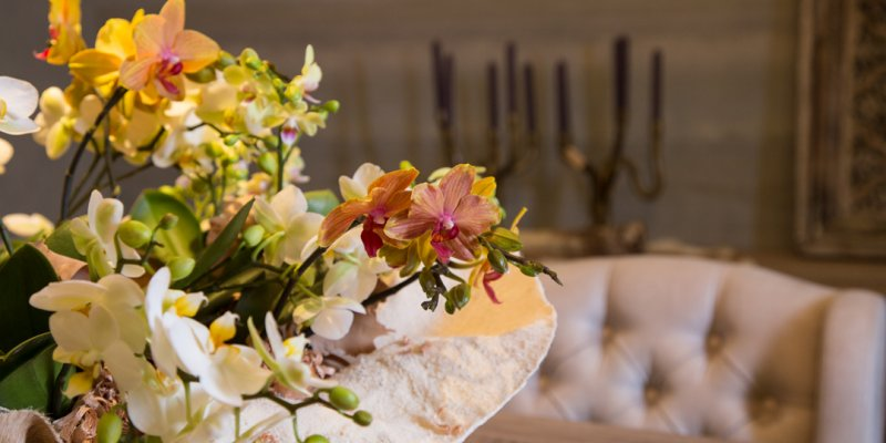Orchid centerpiece - country chic style