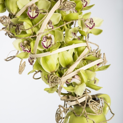 Flower arrangement with Cymbidium