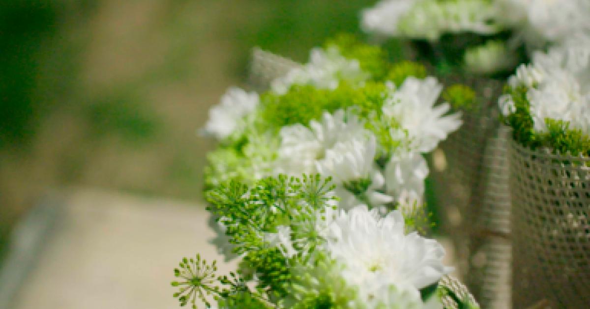 images 10 Lush Summer Wedding Flower Ideas