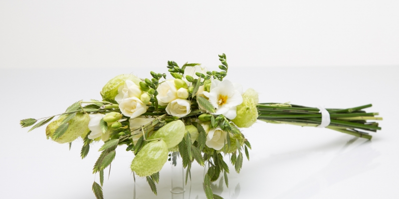 Parallel bouquet with white Freesia