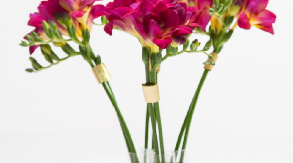 Hot pink freesia with golden details flower factor freestylefreesia hot pink freesia and gold vase design flower factor mightylinksfo