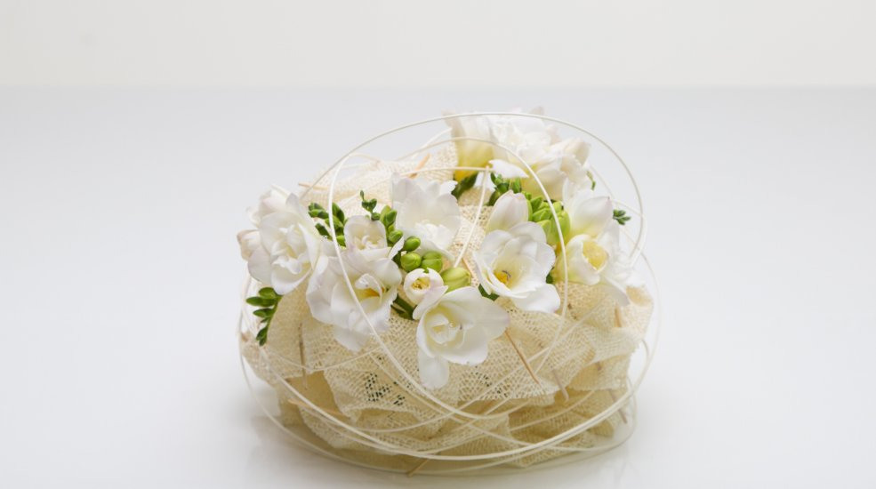Soft Knot Floral Design With White Freesia Flower Factor