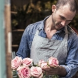 Creative and innovative florist: the answer to online competition